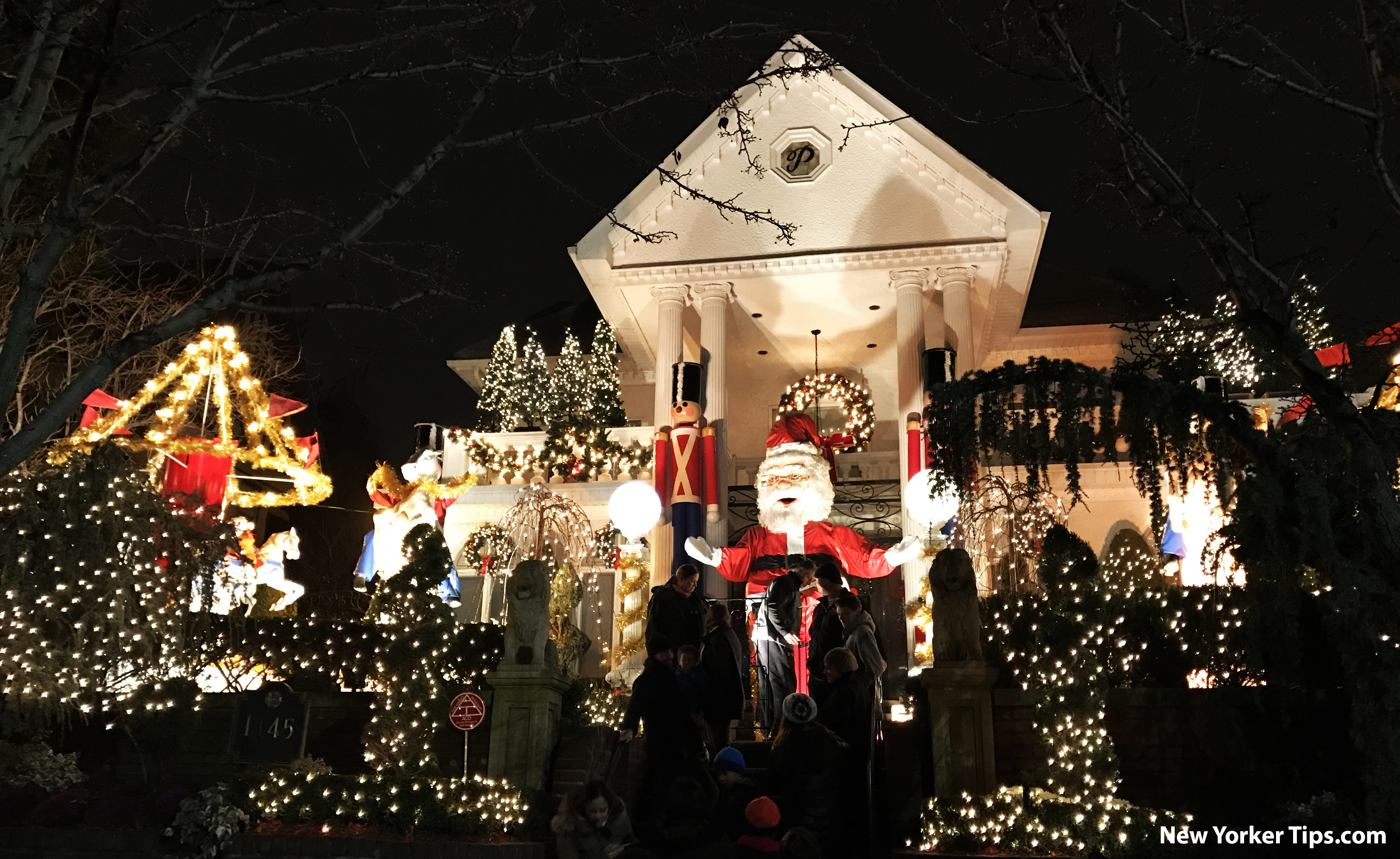 visit dyker heights christmas lights all the info new yorker tips